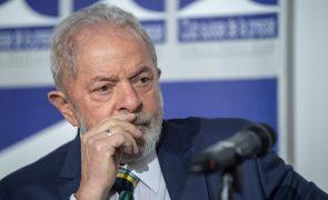 Covid-19: Lula critica Bolsonaro por rejeitar compra de vacina para população