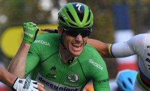 Sam Bennett vence quarta etapa da Volta a Espanha ao 'sprint', Primoz Roglic segue líder