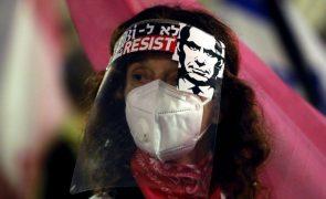 Milhares de pessoas pedem demissão do primeiro-ministro de Israel