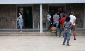 Pandemia não afasta cabo-verdianos das urnas apesar de atrasos na abertura