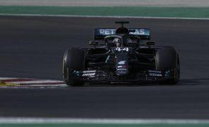 Hamilton vence GP de Portugal de F1 e torna-se no mais vitorioso de sempre