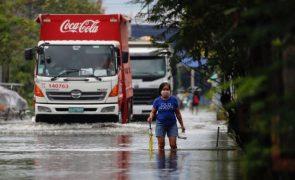 Mais de 30 mil pessoas retiradas nas Filipinas devido à passagem do tufão Molave