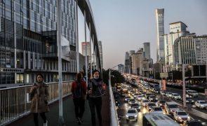 Covid-19: China regista 20 novos casos importados