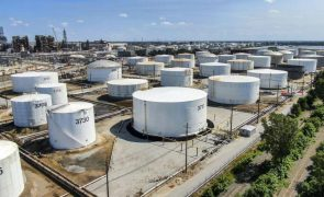Covid-19: Petróleo Brent cai 3% devido ao aumento de contágios