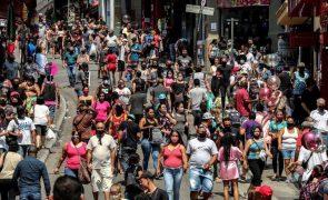 Covid-19: Mais 549 mortes e 29.787 novas infeções no Brasil