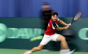Tenista João Domingues eliminado no 'challenger' de Marbella