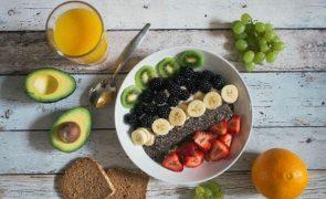 A fruta que ajuda a reduzir os níveis de açúcar no sangue