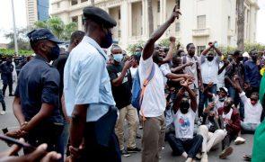 Polícia angolana proíbe presença de manifestantes nas proximidades do tribunal