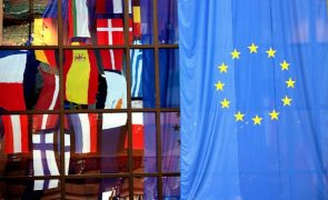 Covid-19. Líderes da UE discutem resposta coordenada à nova vaga