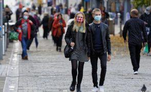 Covid-19: Reino Unido regista 280 mortes e mais de 23 mil novas infeções num dia