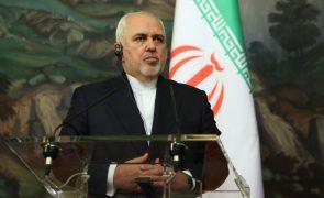 França/Ataque: Irão condena