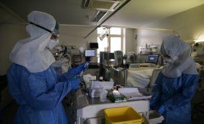 Covid-19: Cerca de 50 das 60 camas de enfermaria do Santa Maria ocupadas