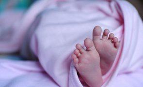 Covid-19 Bebé nasce com anticorpos e deixa médicos