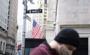 Wall Street fecha dia, semana e mês em baixa pelo nervosismo com virus e eleição