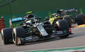 Bottas surpreende Hamilton em nova 'dobradinha' da Mercedes na Fórmula 1