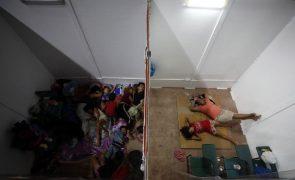 Aproximação do tufão Goni obriga a um milhão de deslocados nas Filipinas