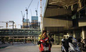 Covid-19: China soma três casos locais e 21 oriundos do exterior