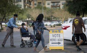 Assembleias de voto abriram às 06:00 em oito estados norte-americanos