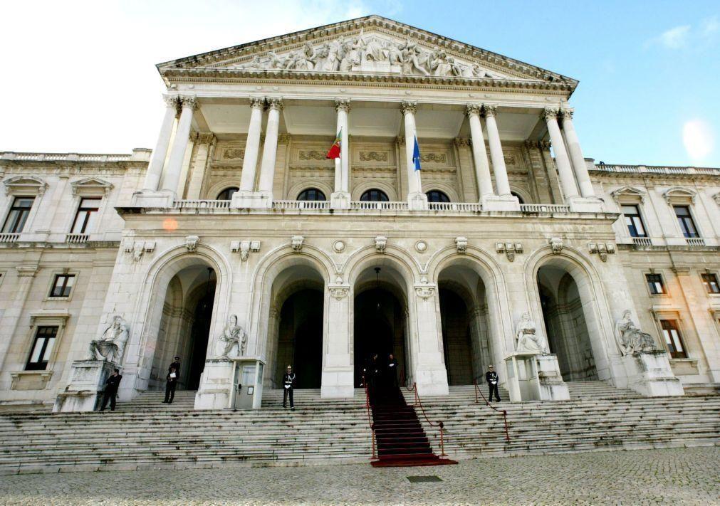 Trabalhadores da Cultura protestam no dia 9 em frente ao parlamento em Lisboa