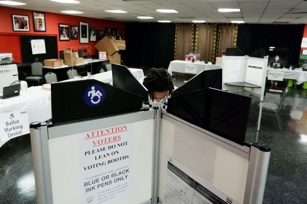EUA/Eleições: Na capital vota-se