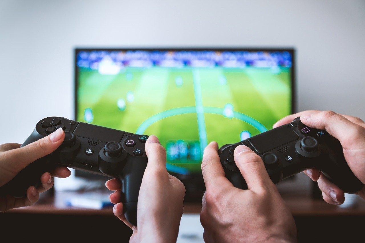 China limita acesso de menores a jogos em rede para evitar vício
