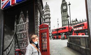 Reino Unido regista 492 mortes provocadas por covid-19, novo máximo desde maio