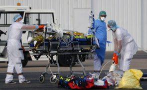 Covid-19: França tem mais de 4.000 pacientes nos cuidados intensivos