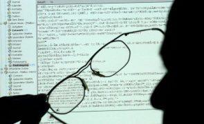 Covid-19: Cientistas usam dados e inteligência artificial para combater pandemia