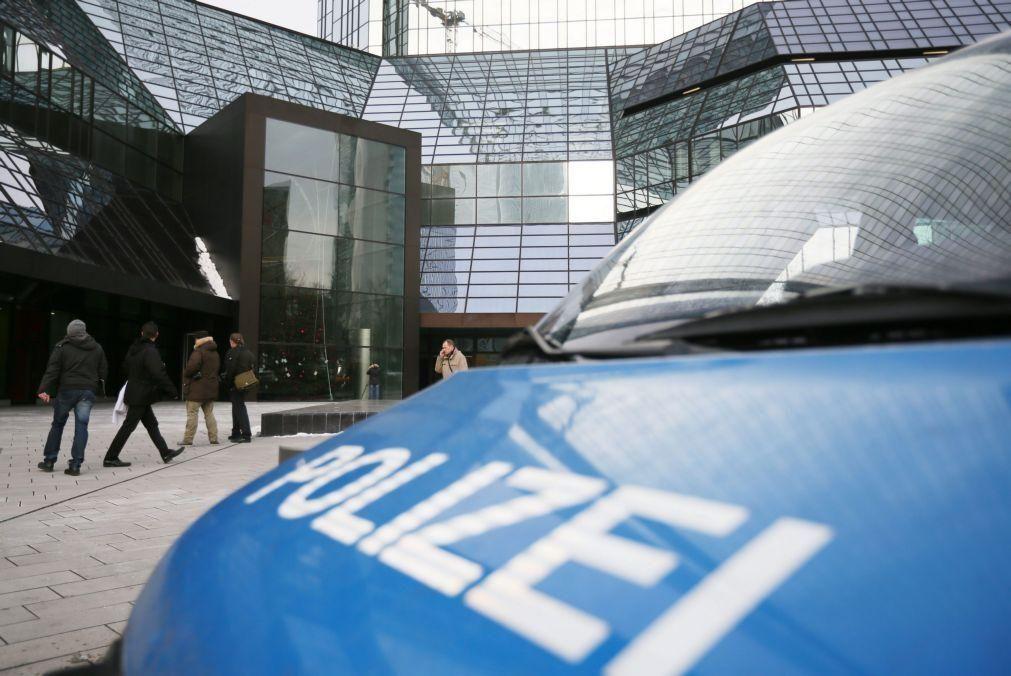 Polícia faz buscas na Alemanha relacionadas com atentado em Viena