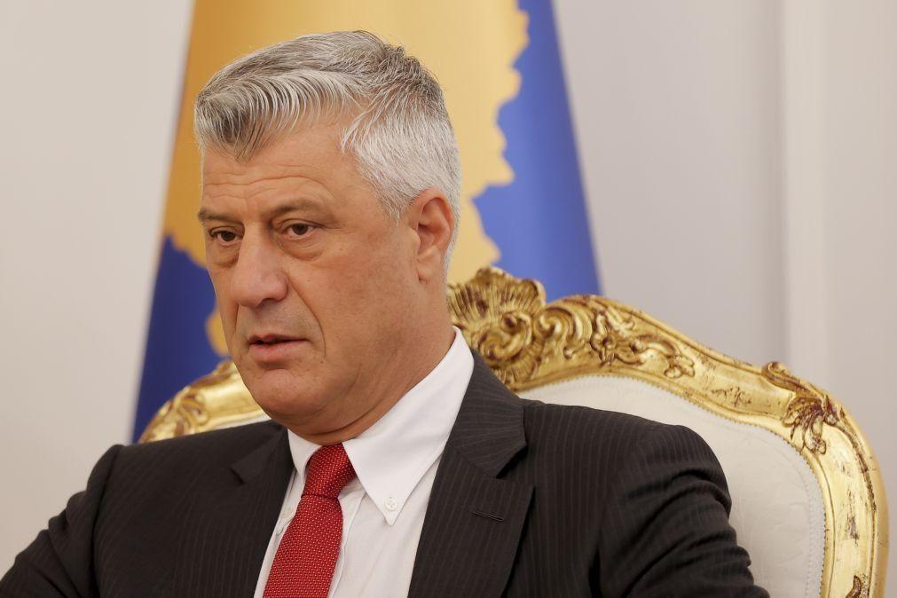 Ex-PR do Kosovo indiciado por crimes de guerra presente a tribunal na 2.ªfeira