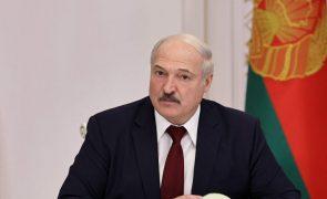 Bielorrússia: UE avança com sanções a Lukashenko e ao filho