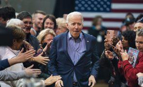 Eleições/EUA: Biden à beira da vitória prepara-se para falar aos americanos