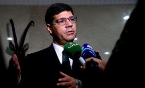 Covid-19: Portugal em contactos para produzir vacinas e dispositivos médicos