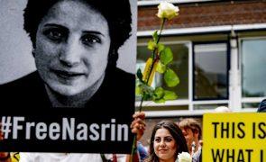 Irão liberta de forma temporária a advogada e ativista iraniana Nasrin Sotoudeh