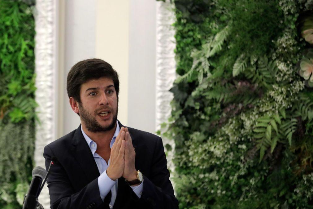 Líder do CDS felicita Biden e espera ligação reforçada