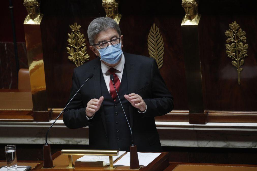 Jean-Luc Mélenchon anuncia a sua terceira candidatura à presidência de França