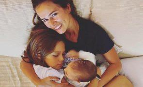 Filha de Cláudia Vieira e Pedro Teixeira está infetada com covid-19