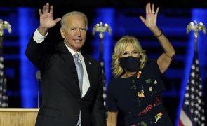Vestido Oscar de la Renta de 6 mil euros usado por Jill Biden esgota em horas