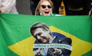 Covid-19: Bolsonaro diz que Brasil tem de deixar de ser um país de