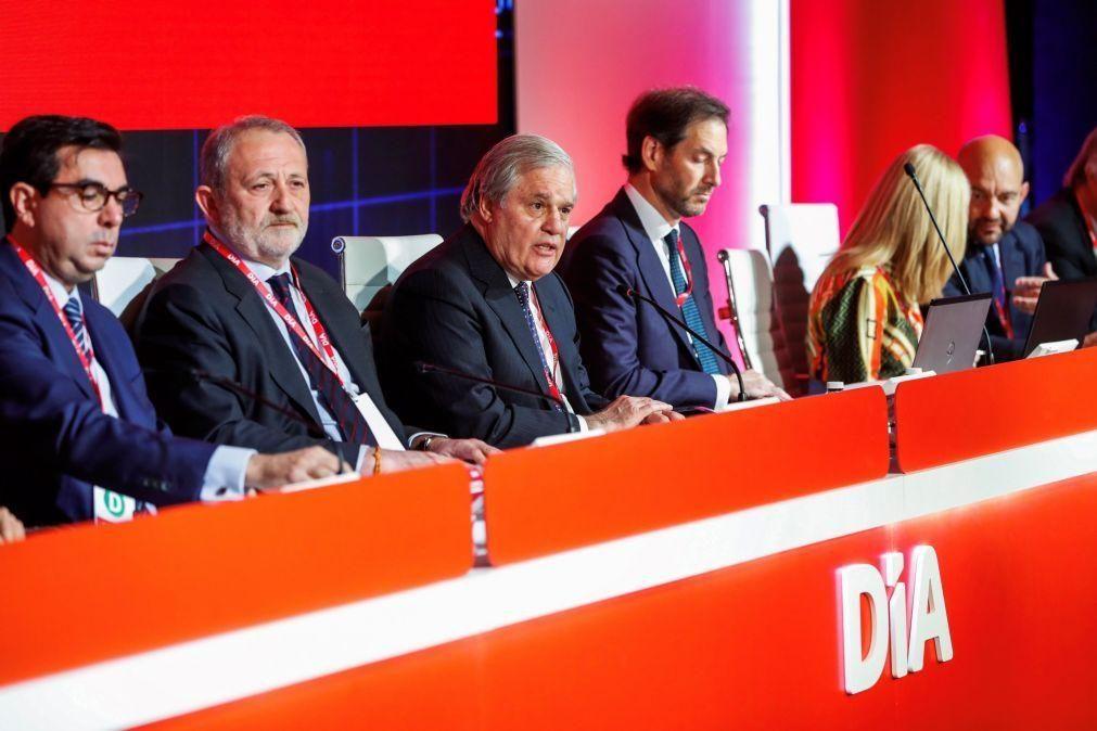 Grupo espanhol dono do Minipreço desce prejuízo para metade até setembro