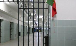 Onze anos de cadeia para homem que violou 136 vezes sobrinha órfã