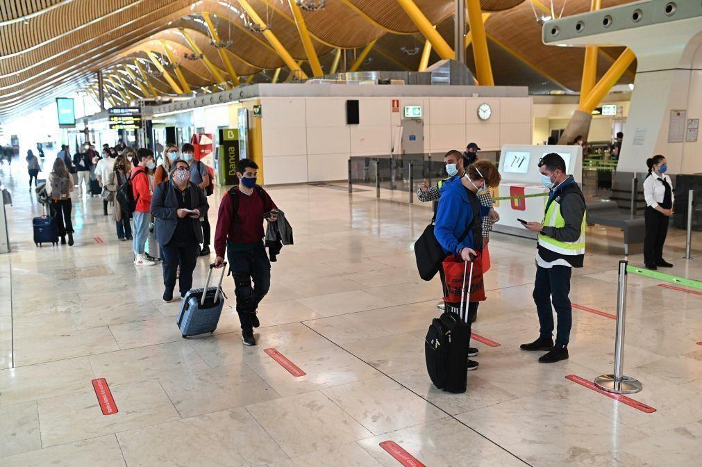 Covid-19: Portugal excetuando Açores incluído na lista de novas restrições em Espanha