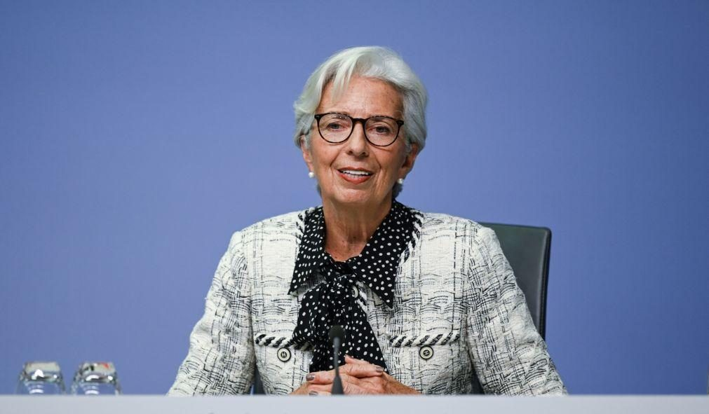 Covid-19: Lagarde diz que há menos incerteza do que há nove meses