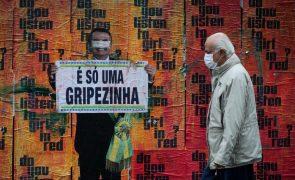 Covid-19: Brasil regista mais de 900 mortes em 24 horas e ultrapassa 164 mil óbitos