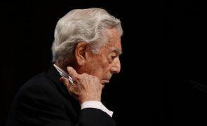 Escritor Mario Vargas Llosa diz que destituição do Presidente do Peru violou Constituição