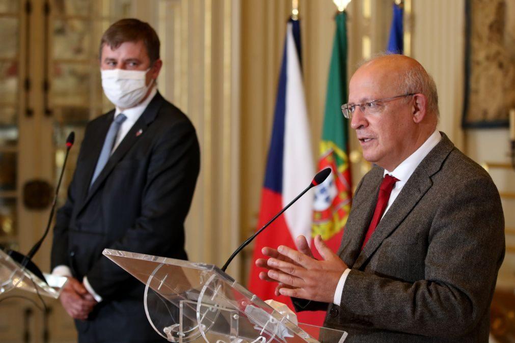 Portugal e República Checa esperam atitude