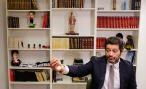 Presidenciais: Ventura acusa Marcelo de ser