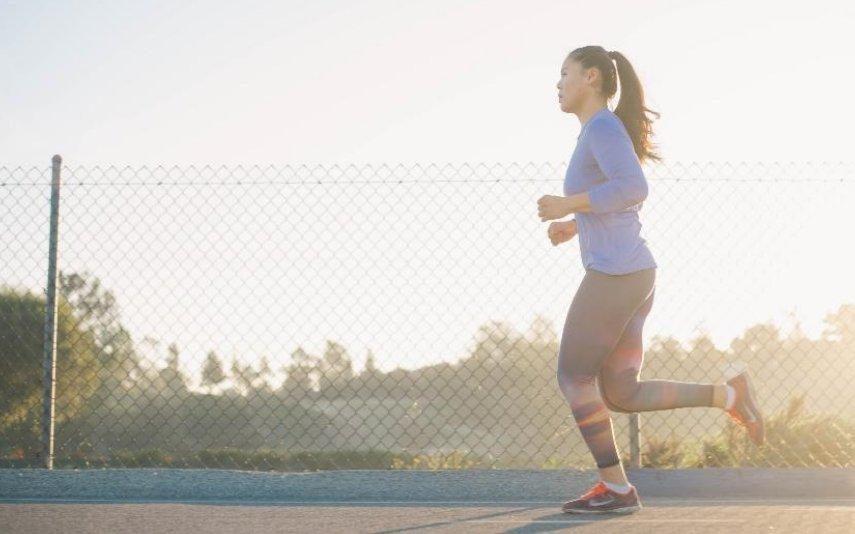 Gosta de correr? Saiba como pode fazê-lo em segurança durante a pandemia