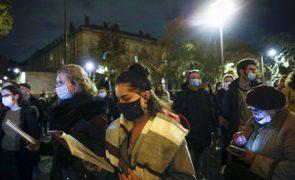 Covid-19: França aproxima-se dos dois milhões de casos com 27.228 nas últimas 24 horas