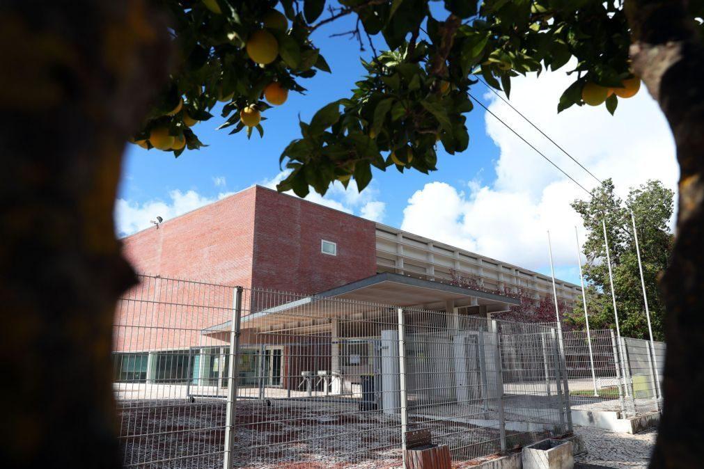 Funcionários das escolas fazem greve na primeira semana de dezembro